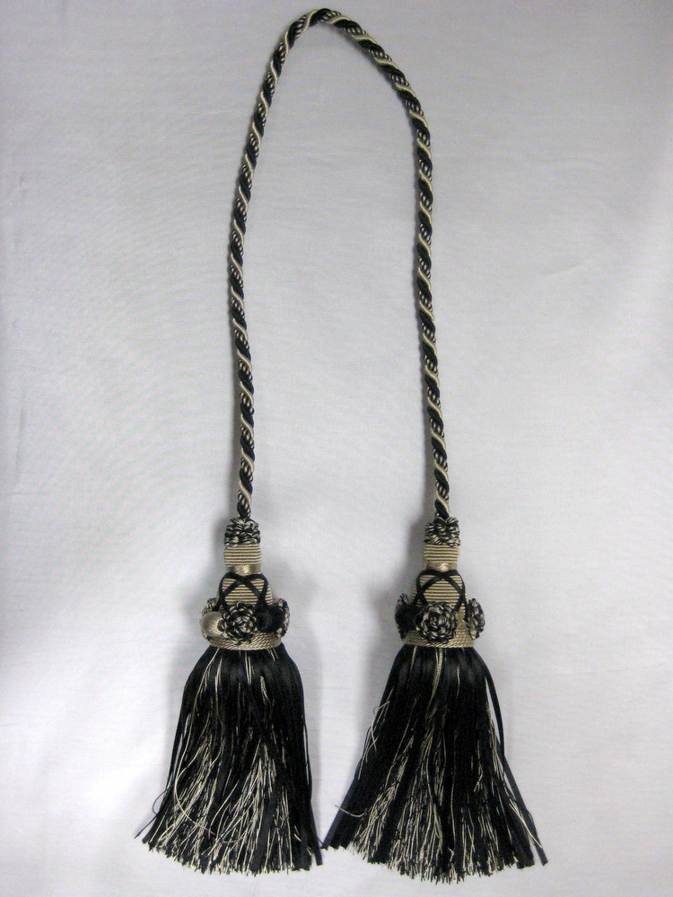 TASSEL BLACK-LIGHT GOLD