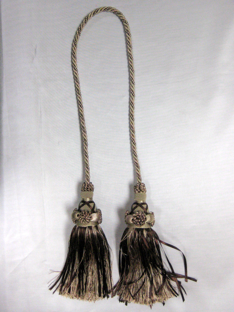 TASSEL BROWN-IVORY